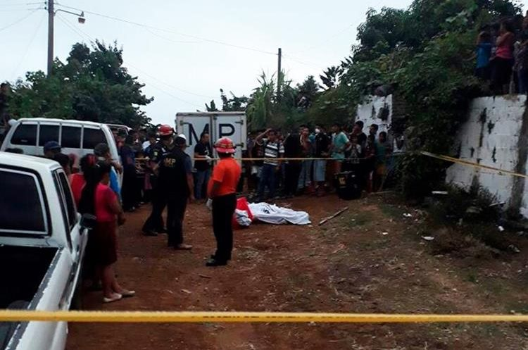 Los cadáveres fueron localizados en comunidad agraria Emanuel, Nuevo Progreso, San Marcos. (Foto Prensa Libre: Whitmer Barrera)