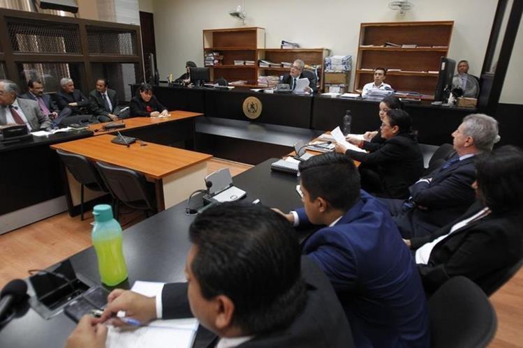 Juzgado de primera instancia penal de mayor riesgo B, Miguel Ángel Gálvez, decidirá si los implicados deben enfrentar juicio o no. (Foto Prensa Libre: Paulo Raquec)