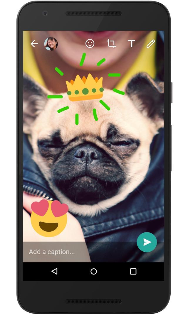 Ahora las fotos que enviemos pueden tener nuestro toque creativo con dibujos y emojis. (Foto Prensa Libre: blog de WhatsApp).