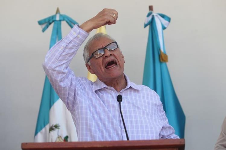 El presidente Alejandro Maldonado arremetió en contra de los críticos del salario diferenciado. (Foto Prensa Libre: Erick Avila)