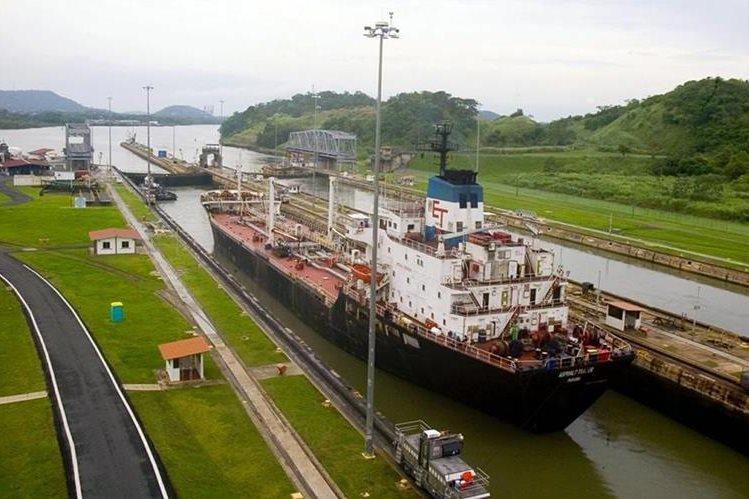 El Canal de Panamá transportó 340.8 millones de toneladas CP/SUAB.