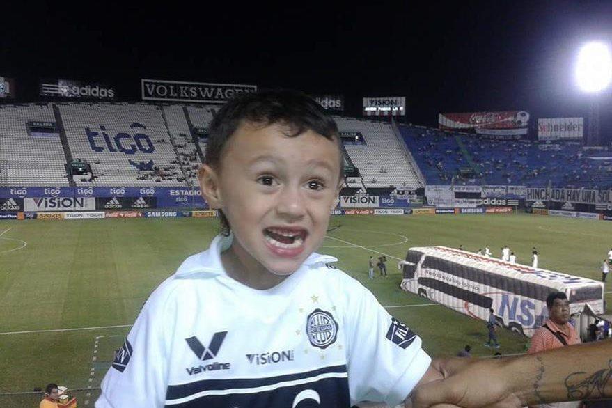 Nicolás es hijo de padre paraguayo y madre guatemalteca. (Foto Prensa Libre: Natalie Dardón)
