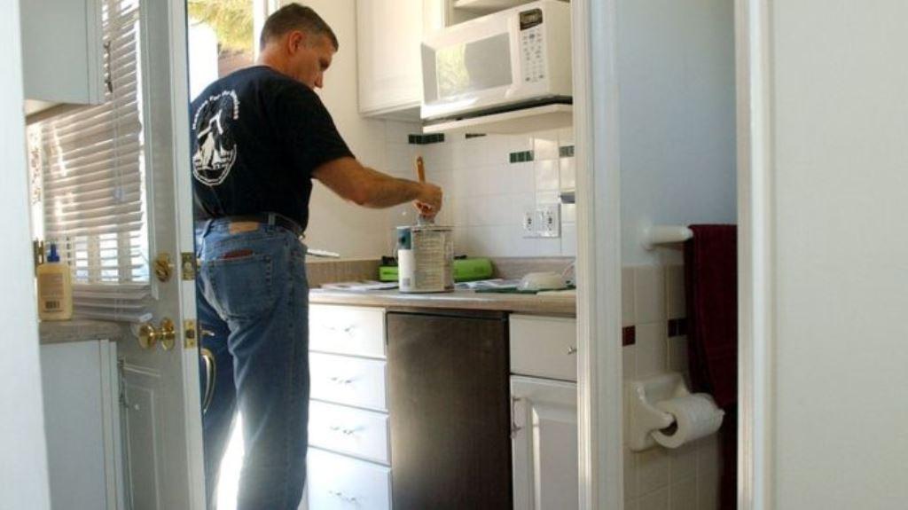 El estudio sugiere que las cocinas pintadas de blanco venden menos. GETTY IMAGES