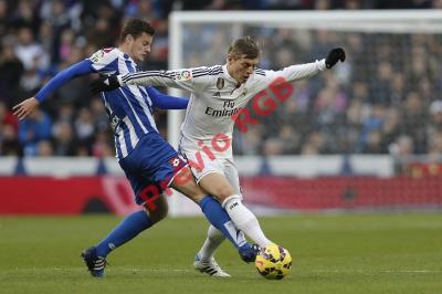 El alemán Toni Kroos se ha convertido en pieza clave en el medio campo del Real Madrid. (Foto Prensa Libre: AP)