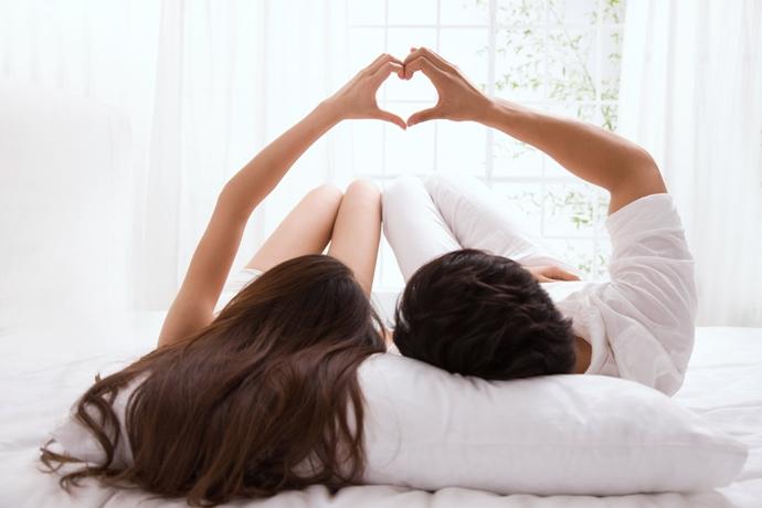 El el cerebro libera de manera natural dopamina y oxitocina durante el coito y el estrés.