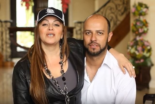 Jenni rivera y su exesposo Loaiza. (Captura de Youtube)