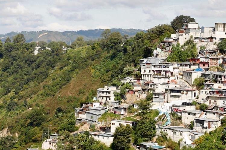 Migración interna influiría en deterioro de la metrópoli. (Foto Prensa Libre: Paulo Raquec)