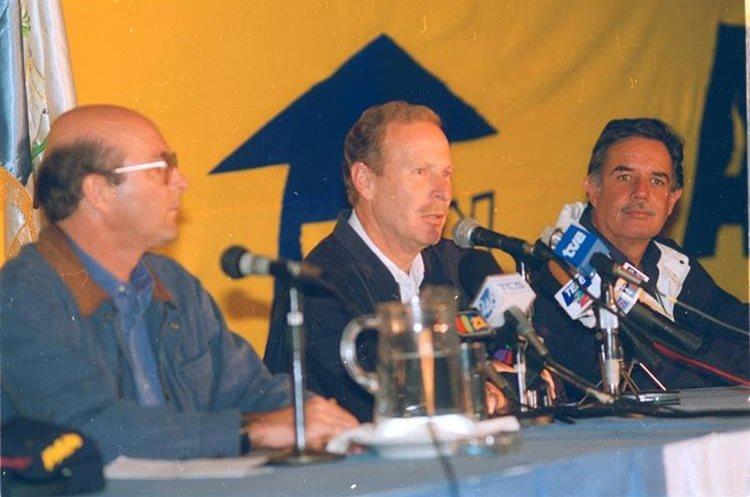 Después de Álvaro Arzú sólo Óscar Berger fue presidente por el Partido de Avanzada Nacional, PAN.