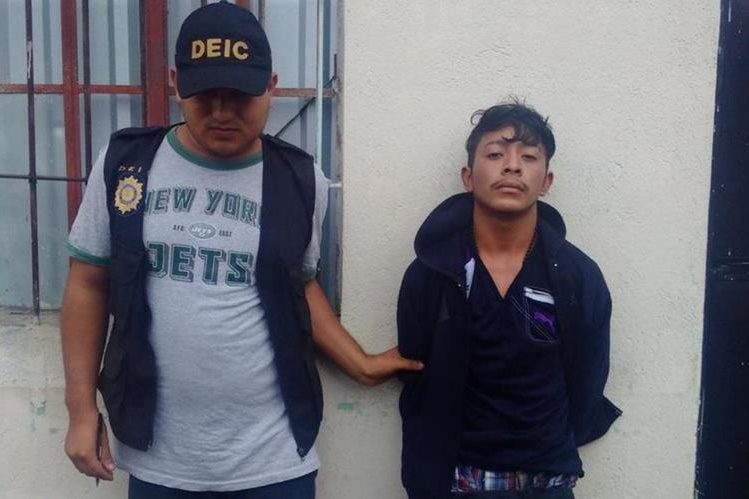 Jhonny Alexarder Reyes Lemus, de 19 años, fue capturado señalado de ser el presunto responsable de la muerte de Ana Leonor Guerra Olmedo. (Foto Prensa Libre: Cortesía)