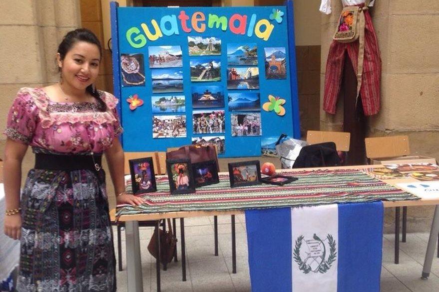 Mérida, durante   exposición en  la Universidad de Deusto, Bilbao. (Foto Prensa Libre: María José Longo)
