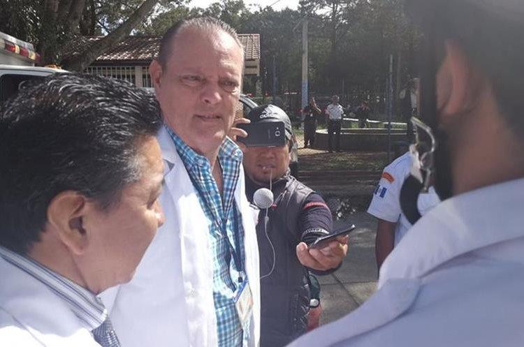 El director del hospital Roosevelt ha salidos a dar declaraciones a los medios de comunicación.