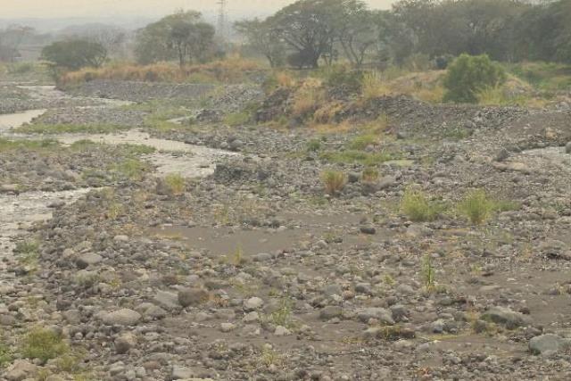 La mayoría de los principales ríos del país presentan déficit en su caudal. (Foto Prensa Libre: Hemeroteca PL)