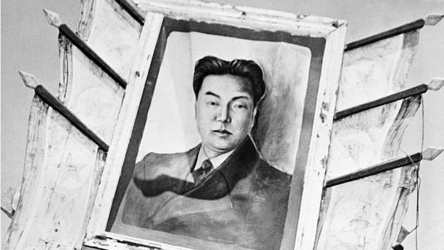 La propaganda oficial presenta al abuelo de Kim Jong-un, Kim Il-sung, como el artífice de la resistencia norcoreana frente al imperialismo. ALAMY