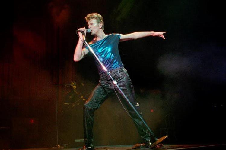 El emblemático cantante David Bowie muere a los 69 años. (Foto Prensa Libre: AP)