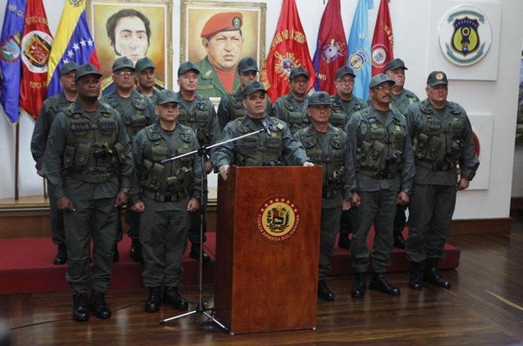 """El ministro de la Defensa de Venezuela, Vladimir Padrino declara su repudio a las """"nefastas declaraciones"""" del Trump.(EFE)."""