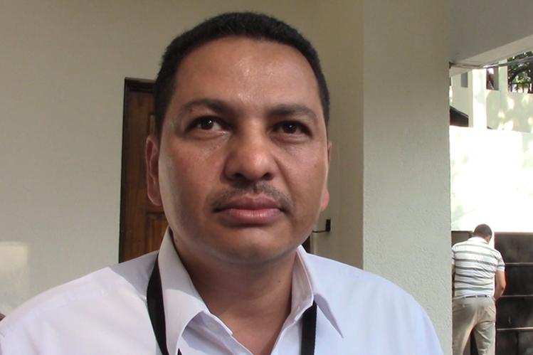 Marvin Fernando López Reyes, fiscal distrital del MP, fue detenido en Retalhuleu acusado de varios delitos. (Foto Prensa Libre: Rolando Miranda)