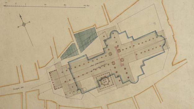 El diseño de la nueva catedral se desviaba de las bases de la original. CAPÍTULO DE LA CATEDRAL DE SAN PABLO