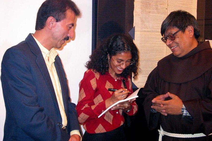 Haroldo Rodas (izquierda) fue director del Museo Fray Francisco Vásquez. (Foto Prensa Libre: Hemeroteca PL)