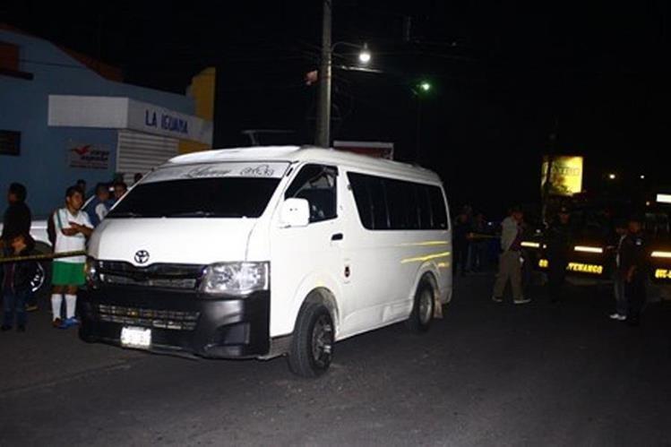 Unidad que fue objeto de ataque armado en La Esperanza, Quetzaltenango. (Foto Prensa Libre: María José Longo).