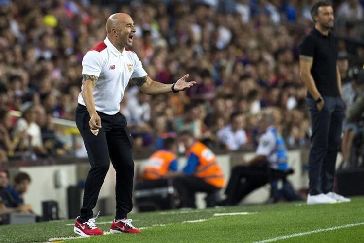 Jorge Sampaoli sale al rescate del primer club que dirigió como entrenador. (Foto Prensa Libre: EFE)