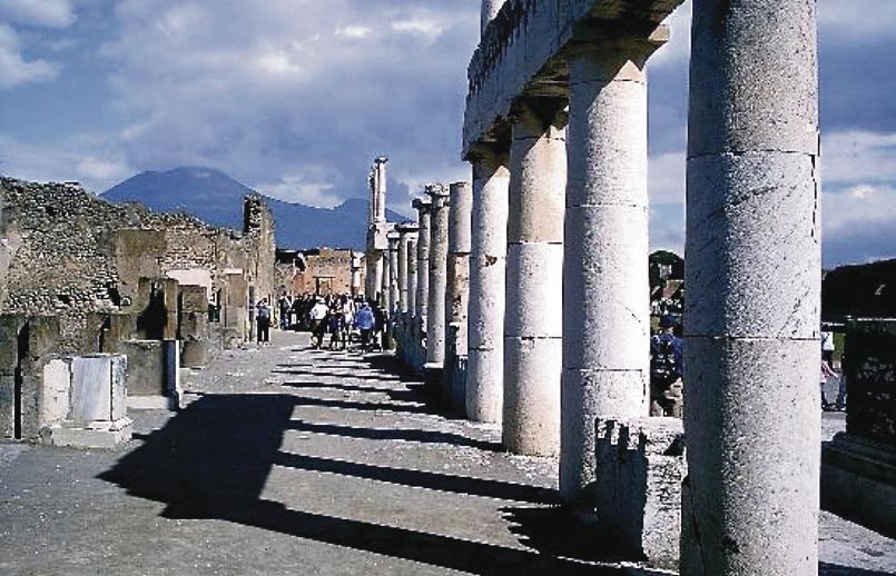 Pompeya quedó enterrada bajo 20 metros de piedra pómez y cenizas, tras la erupción del Vesubio en el año 79 d. C. (Foto: Hemeroteca PL)
