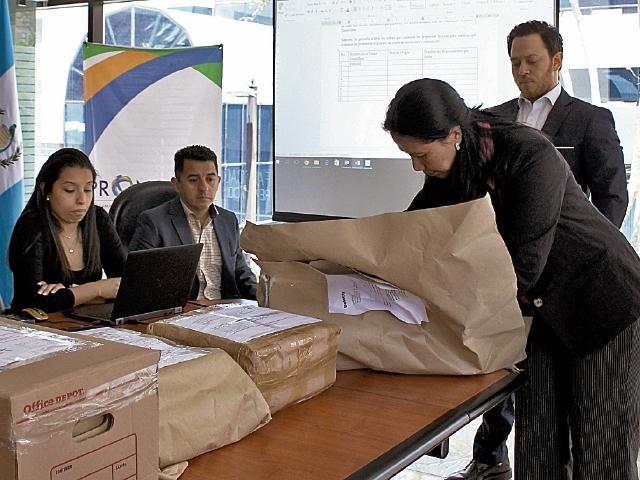 Las empresas interesadas presentaron ayer sus ofertas, que serán analizadas por la junta calificadora.