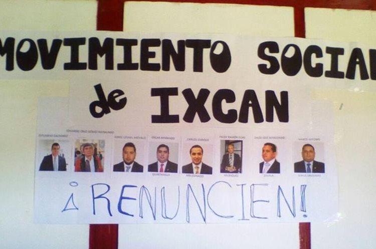 Vecinos de Ixcán, Quiché, exigen la renuncia de los diputados por ese departamento. (Foto Prensa Libre: Cortesía Fiscalización Ixcán)