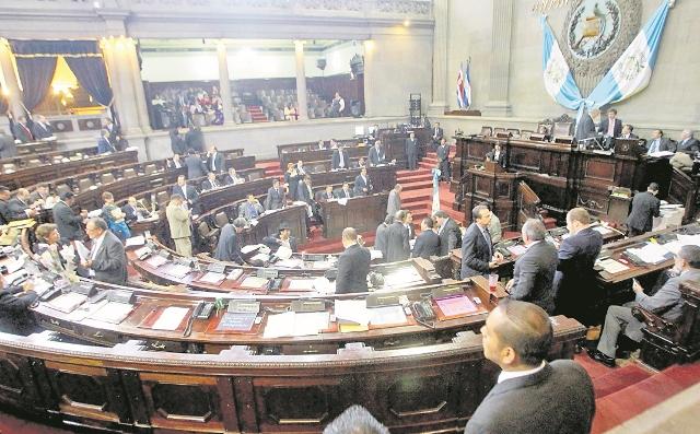 Ministros y otros empleados públicos que no acudan a a citaciones de diputados ya no serán sancionados con prisión. (Foto Prensa Libre: Hemeroteca PL).