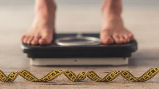 ¿Cuáles son las recomendaciones de los especialistas para bajar de peso? GETTY IMAGES