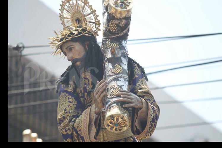 Imagen de Jesús Nazareno de La Merced durante su recorrido este Viernes Santo. (Foto Prensa Libre: Oscar Rivas)