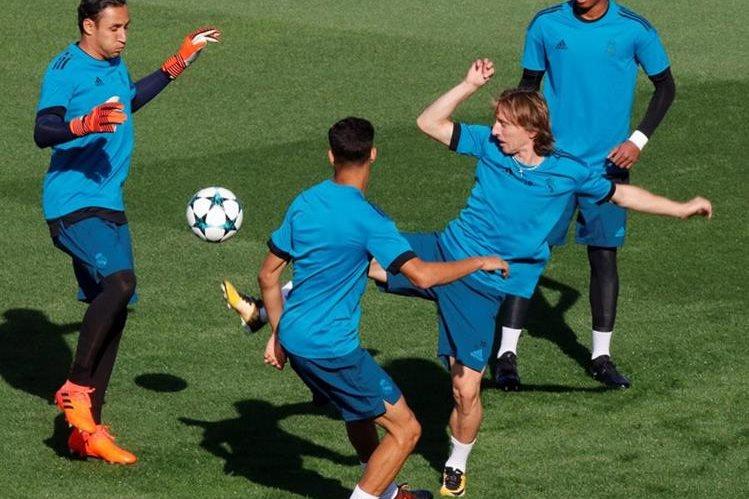 Keylor Navas podría aparecer mañana en el duelo de la Liga de Campeones. (Foto Prensa Libre: EFE)