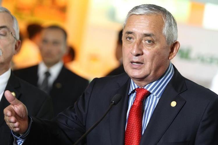 Los diputados del Congreso mantienen la inmunidad al presidente Otto Pérez Molina. (Foto prensa Libre: Erick Ávila)