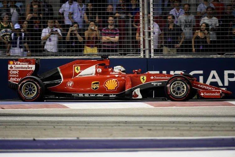 Vettel sacó provecho de la pole position conseguida el sábado. (Foto Prensa Libre: AFP)