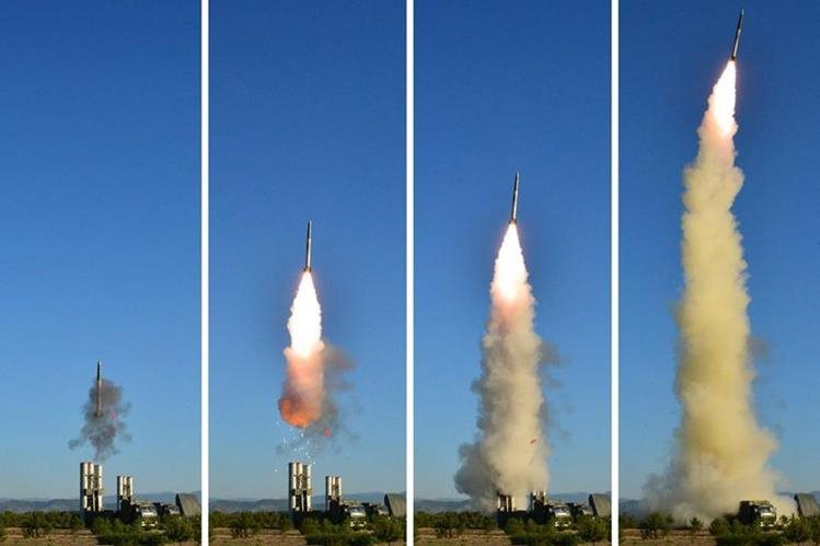 Corea del Norte ha lanzado varios misiles en este año, lo que causa preocupación a la comunidad internacional. (Foto Prensa Libre: EFE)