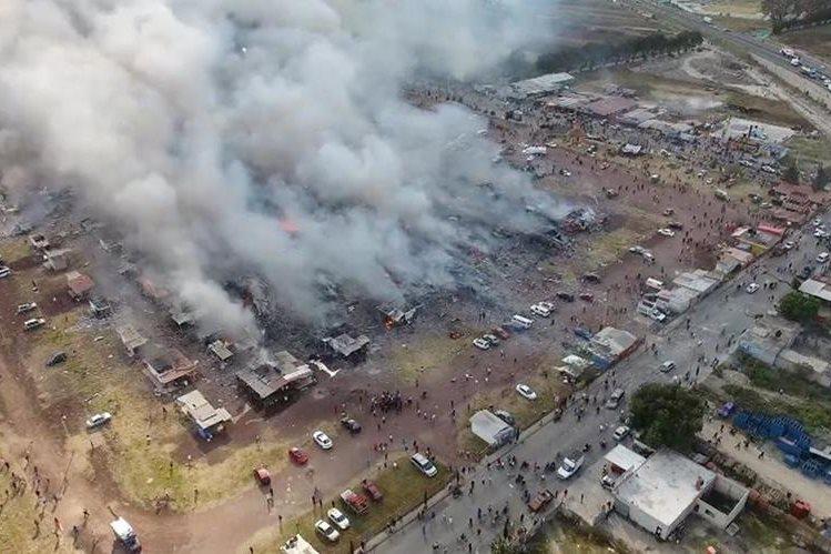 Vista aérea del mercado de pirotecnia San Pablito en México que quedó reducido a cenizas. (Foto Prensa Libre: AFP).