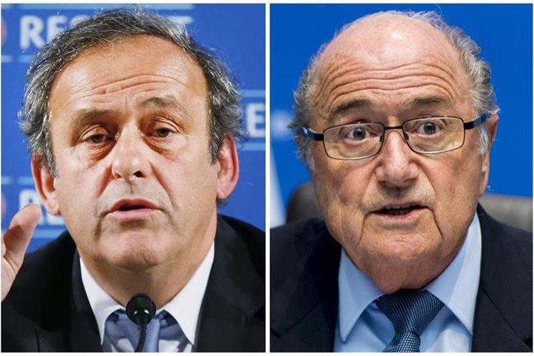El pacto entre caballeros entre Platini y Blatter está siendo investigado por la justicia suiza. (Foto Prensa Libre: AFP)