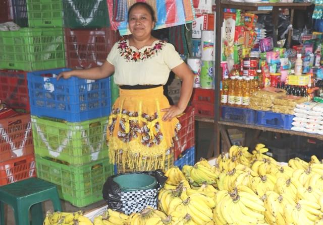 """Vendedora del mercado de Chimaltenango.&nbsp;<span style=""""font-size: 12px;"""">PRENA LIBRE / VÍCTOR CHAMALÉ</span>"""