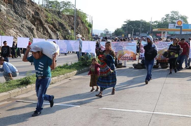 Los campesinos exigen la renuncia al presidente Jimmy Morales, según ellos, por incapacidad para ejercer el cargo.