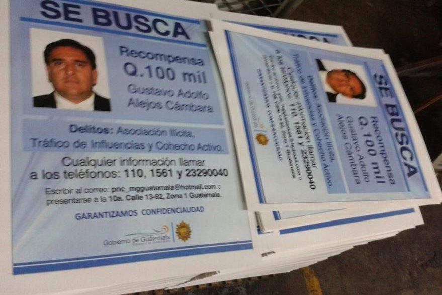 Q100 mil es la recompensa ofrecida por Mingob por información que permita la captura de Alejos o Mendizábal. (Foto Prensa Libre: Mingob)