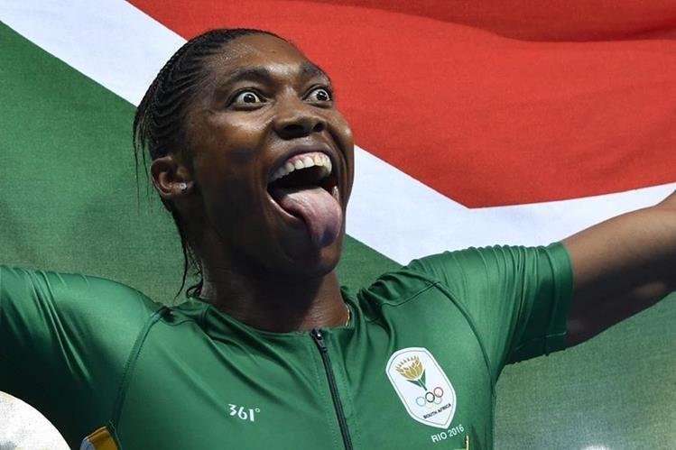 Caster Semenya celebra de forma eufórica su triunfo en los 800 metros de Río 2016 (Foto Prensa Libre: AFP)