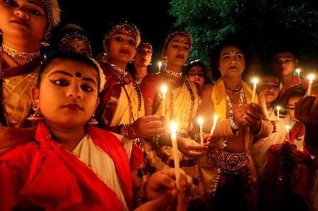 Muestras de solidar se han mostrado en todas partes del mundo, como en India.