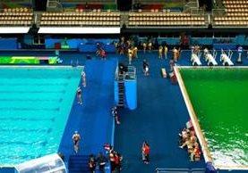 La piscina de polo acuático y la fosa de clavados tenían un tono muy diferente en las competencias de este martes en Río 2016. (Getty)