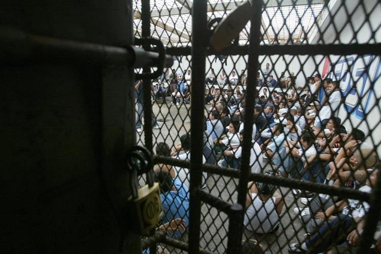 El Sistema Penitenciario prohibió la visita de familiares de reos en la cárcel Fraijanes I. (Foto Prensa Libre: Hemeroteca PL)