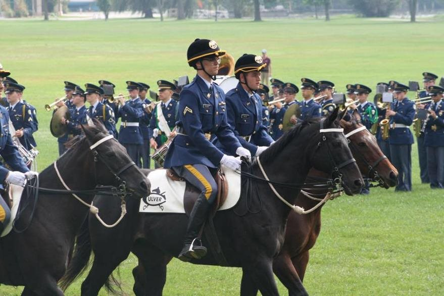 Por falta de un rango militar, Stefan no montará a caballo durante el desfile. (Foto Prensa Libre: Cortesía)