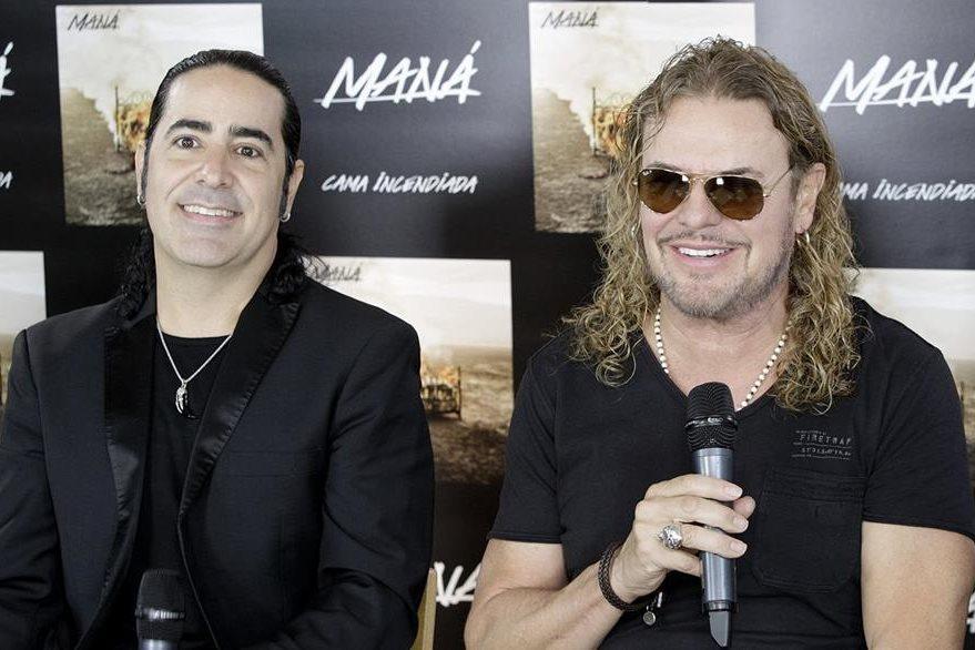 Alex González y Fher Olvera de Maná durante una conferencia en España. (Foto Prensa Libre: EFE)