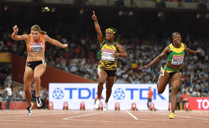 La jamaicana Shelly Fraser-Pryce dominó los 100 metros planos en el Mundial. (Foto Prensa Libre: EFE)