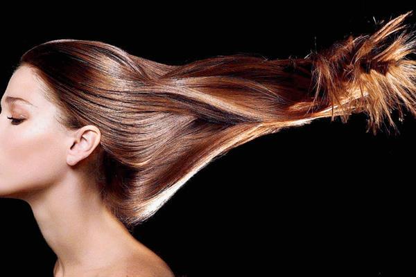 El pelo se utilizará para hacer pelucas que serán donadas a pacientes mujeres y niñas con cáncer.