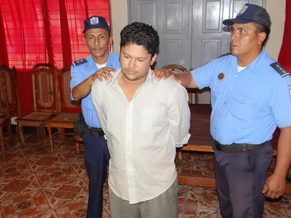 El supuesto ginecólogo engañaba a sus víctimas y luego las violaba. (Foto Prensa Libre: La Prensa de Nicaragua).