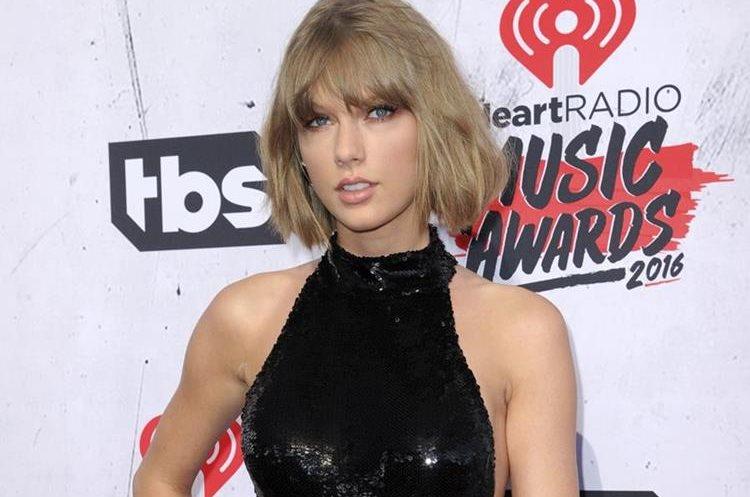 Taylor Swift durante los premios iHeartRadio de 2016. (Foto Prensa Libre: AP)