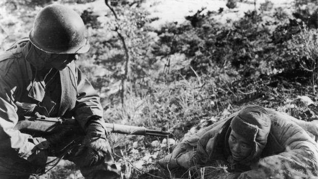 Solo la intervención china pudo frenar el avance de las tropas de Estados Unidos y la ONU. KEYSTONE/GETTY